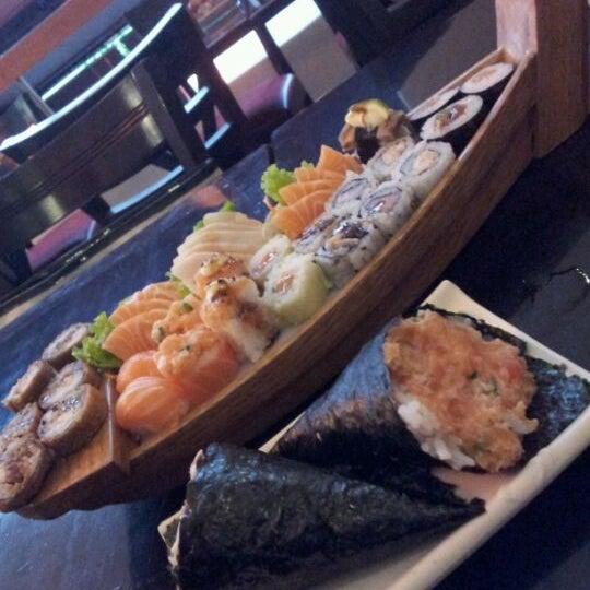 Foto tirada no(a) Kodai Sushi por Nita T. em 6/7/2012