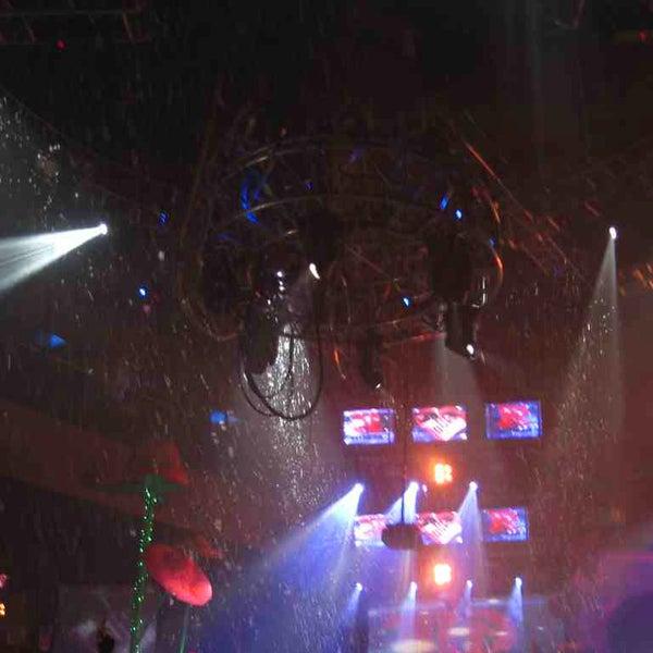 I ♥ DANCING In The RAIN!!