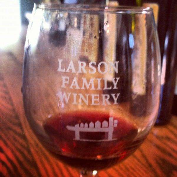 Das Foto wurde bei Larson Family Winery von Rod B. am 5/24/2012 aufgenommen