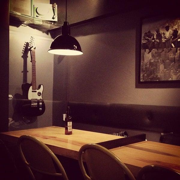 8/4/2012 tarihinde Giovana C.ziyaretçi tarafından Factory Coffee Bar'de çekilen fotoğraf