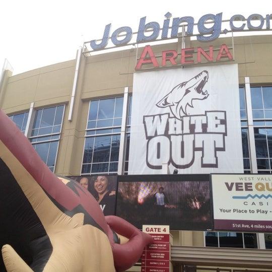 4/14/2012 tarihinde Joe L.ziyaretçi tarafından Gila River Arena'de çekilen fotoğraf
