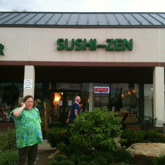 Foto scattata a Sushi-Zen da Warren S. il 4/21/2012