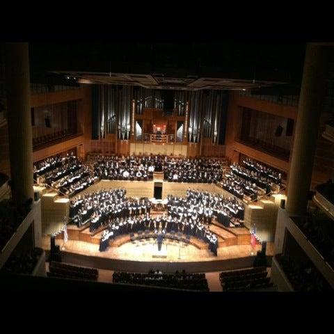 Foto tirada no(a) Morton H. Meyerson Symphony Center por Abigail em 3/15/2012