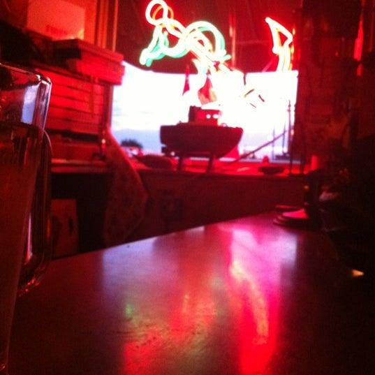 Photo prise au Sunny's par Kate H. le8/11/2012