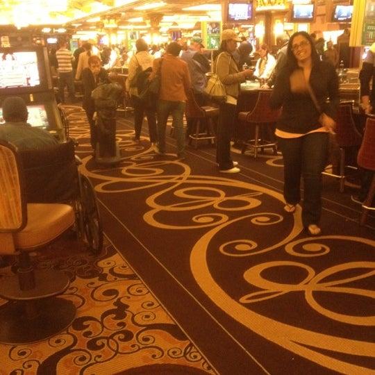 รูปภาพถ่ายที่ Horseshoe Hammond Casino โดย Alexander R. เมื่อ 6/1/2012