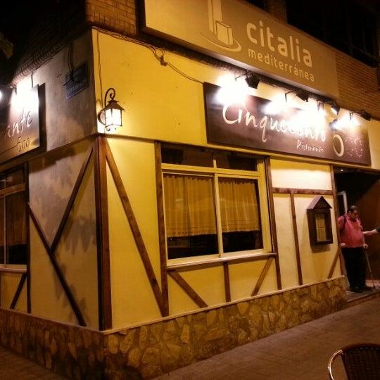 Foto tomada en Restaurante Cinquecento por Eduardo C. el 8/2/2012