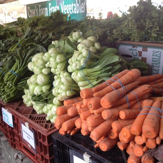 Снимок сделан в Ferry Plaza Farmers Market пользователем Kayla L. 4/7/2012