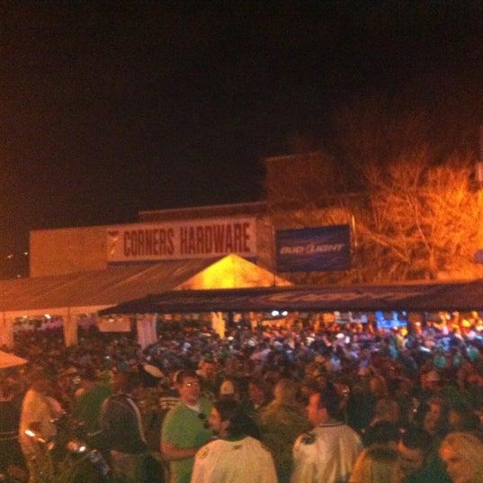 Das Foto wurde bei Eagle Street Grille von Jeff H. am 3/18/2012 aufgenommen