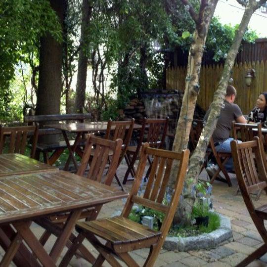 Foto scattata a More Thai da Barbara C. il 5/12/2012