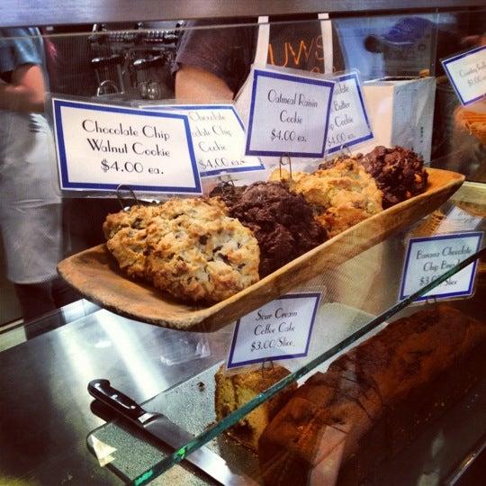 6/6/2012에 Michael D.님이 Levain Bakery에서 찍은 사진