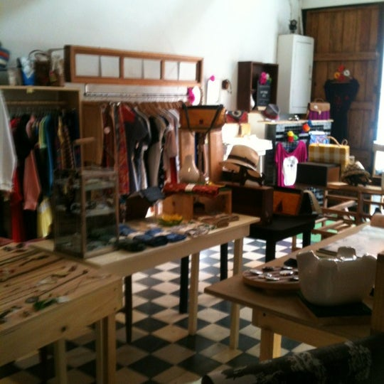 Das Foto wurde bei Happening Concept Store von Alicia P. am 6/16/2012 aufgenommen