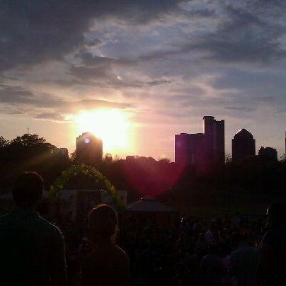 Photo prise au Park Tavern par Stephey T. le3/17/2012