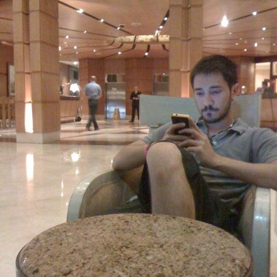 รูปภาพถ่ายที่ Courtyard by Marriott Santiago Las Condes โดย Fanii C. เมื่อ 3/17/2012