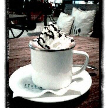 Das Foto wurde bei The People's Cafe von @TravelAwan am 9/20/2011 aufgenommen