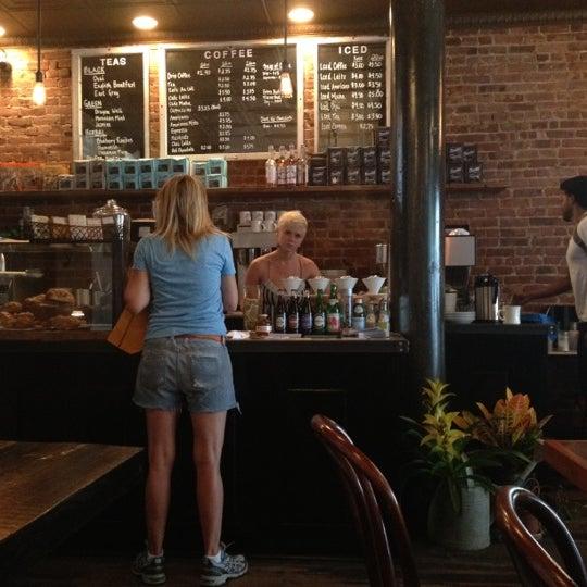 Das Foto wurde bei Lenox Coffee von Kia am 8/10/2012 aufgenommen