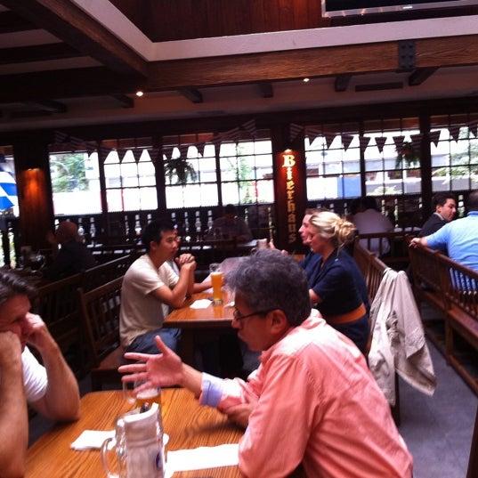 Foto diambil di Hofbräu Bierhaus NYC oleh Kevin D. pada 8/15/2011