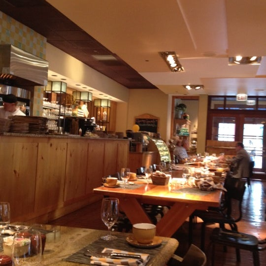 Photo taken at Pierrot Gourmet by Anderson B. on 6/21/2012