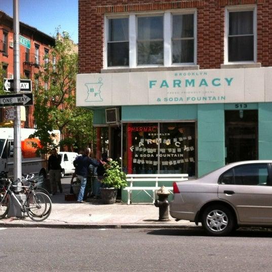 Photo prise au Brooklyn Farmacy & Soda Fountain par John H. le4/28/2012