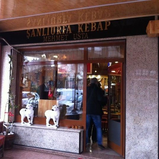 Das Foto wurde bei Mehmet Usta Kebap ve Ciğer Salonu von Sena Ö. am 1/21/2012 aufgenommen