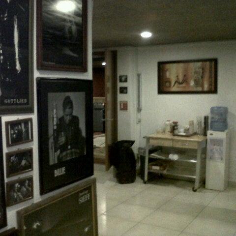Photo prise au Pieza Estudios par Edgar D. le8/16/2012