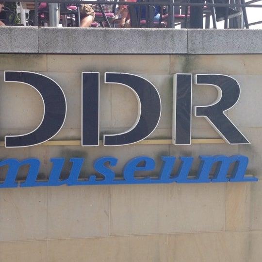 8/18/2012 tarihinde Jacquelineziyaretçi tarafından DDR Museum'de çekilen fotoğraf