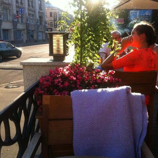 Снимок сделан в Кофемания пользователем Sveta . 7/8/2012