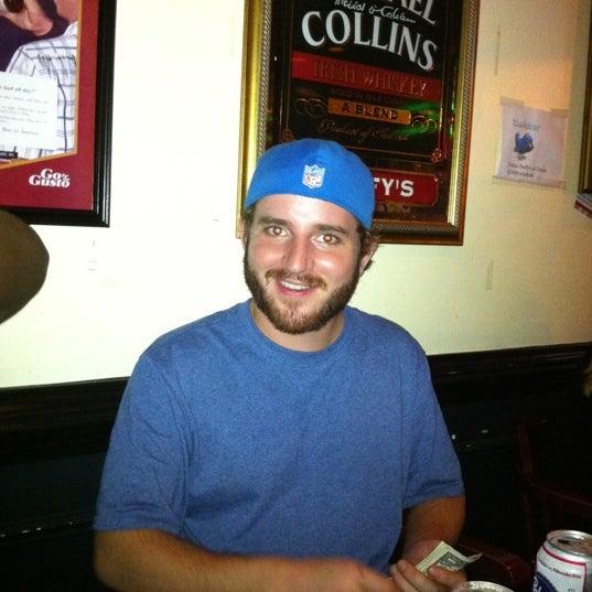 Foto tomada en Duffy's Irish Pub por Peyton S. el 9/29/2011
