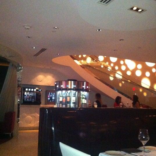 Photo prise au Dee Lincoln's Bubble Bar & Private Events par Jodi T. le5/31/2012