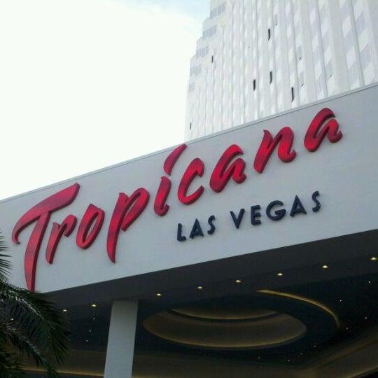 Снимок сделан в Tropicana Las Vegas пользователем Ashley 10/10/2011