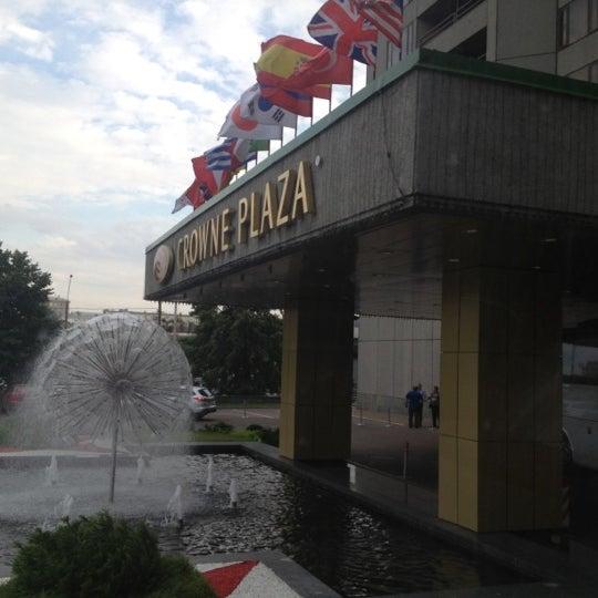 Foto tirada no(a) Crowne Plaza por Bruno B. em 7/6/2012