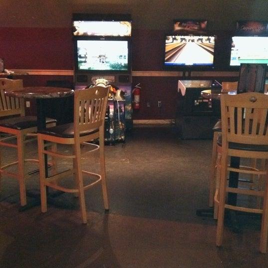 Foto tirada no(a) Huberts Sports Bar & Grill por Joel J. em 8/6/2011