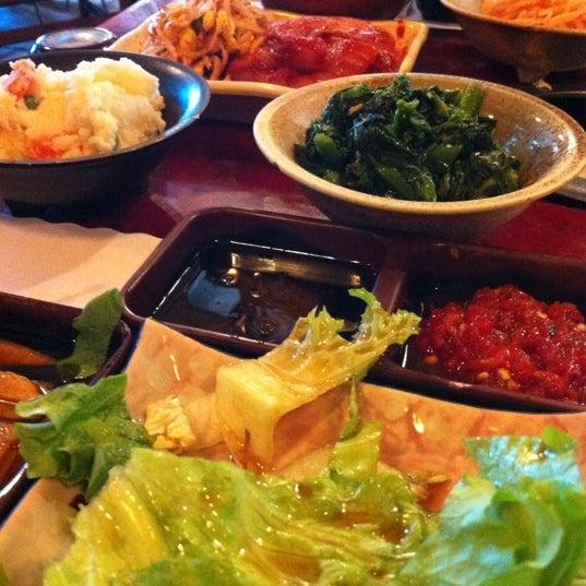 Foto scattata a Hae Jang Chon Korean BBQ Restaurant da Veronica H. il 2/10/2012