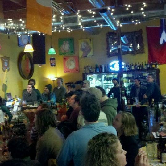 Photo prise au The BeerMongers par Kyle K. le1/28/2011