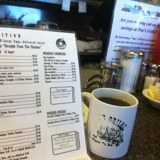 Foto tirada no(a) Pete's Grille por Jacqueline W. em 4/3/2012