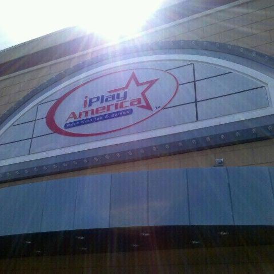 Foto tirada no(a) iPlay America por Dwight B. em 4/12/2012