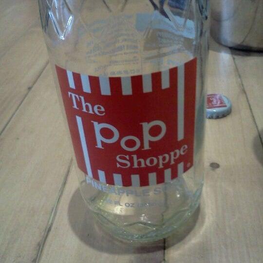 Das Foto wurde bei Soda Pop's von Raul E. am 10/16/2011 aufgenommen