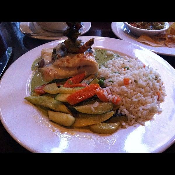 Foto tomada en Casa Sanchez por Linda S. el 5/22/2012