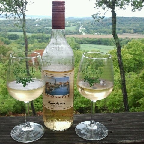 Photo taken at Montelle Winery by Kelli B. on 9/1/2012