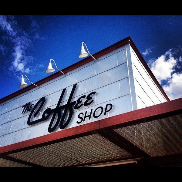 Das Foto wurde bei The Coffee Shop at Agritopia von dawn b. am 7/26/2012 aufgenommen