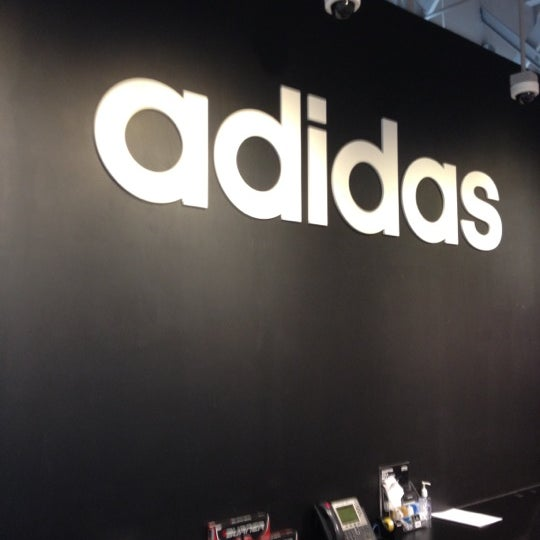 adidas Factory Outlet - 5600 Paseo del