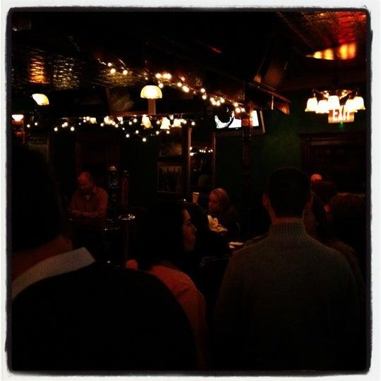 Foto diambil di Pippin's Tavern oleh Dean H. pada 5/13/2012