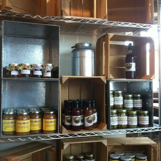9/8/2012 tarihinde Emily D.ziyaretçi tarafından Pleasant Pops Farmhouse Market & Cafe'de çekilen fotoğraf