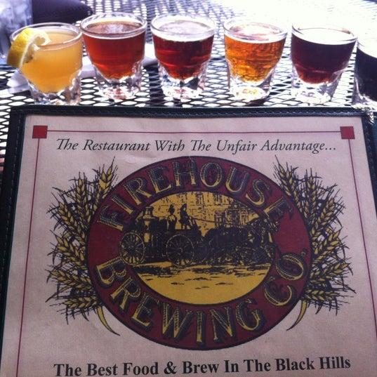 รูปภาพถ่ายที่ Firehouse Brewing Company โดย Nikki L. เมื่อ 6/22/2012