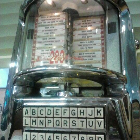 Foto tirada no(a) Rosie's Diner por Heather H. em 9/11/2012