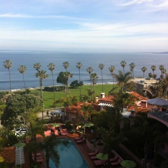 Снимок сделан в La Valencia Hotel пользователем stanton C. 4/24/2012