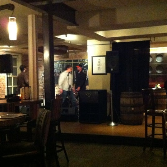 6/5/2012 tarihinde Sol L.ziyaretçi tarafından Triumph Brewing Company'de çekilen fotoğraf