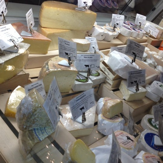 Foto tomada en Beecher's Handmade Cheese por Boo boo isa el 5/20/2012