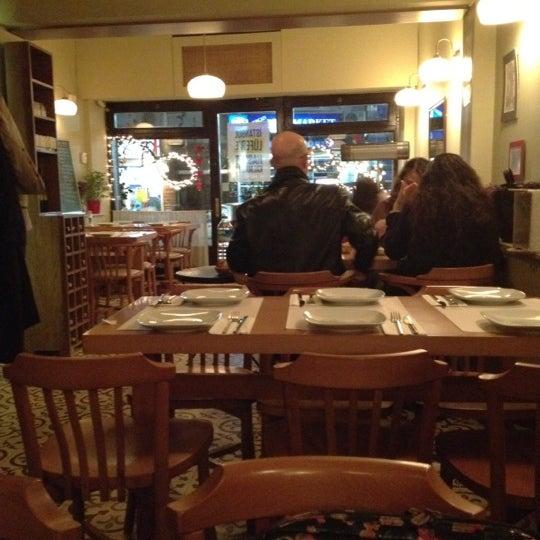 Foto tomada en Sıdıka Meze Restoranı por Basak P. el 2/21/2012