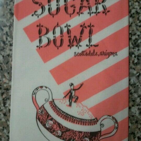 Снимок сделан в Sugar Bowl Ice Cream Parlor Restaurant пользователем Cassie S. 4/18/2012