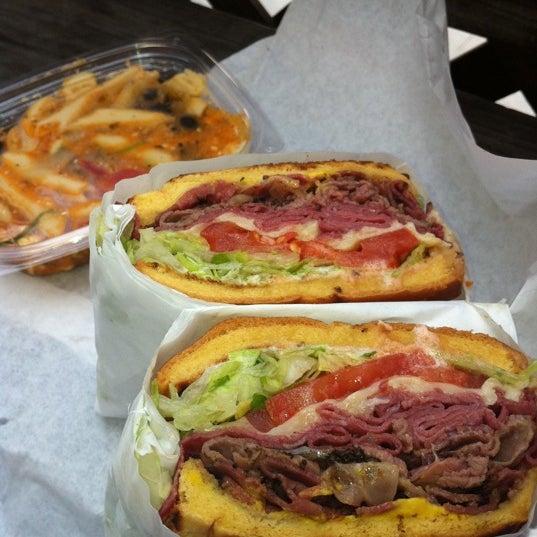 Foto diambil di Olive Tree Marketplace oleh Claudia E. pada 3/29/2011
